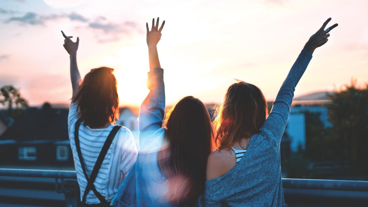 Yaşınız kaç olursa olsun iyi bir arkadaş bulmanın 9 yolu