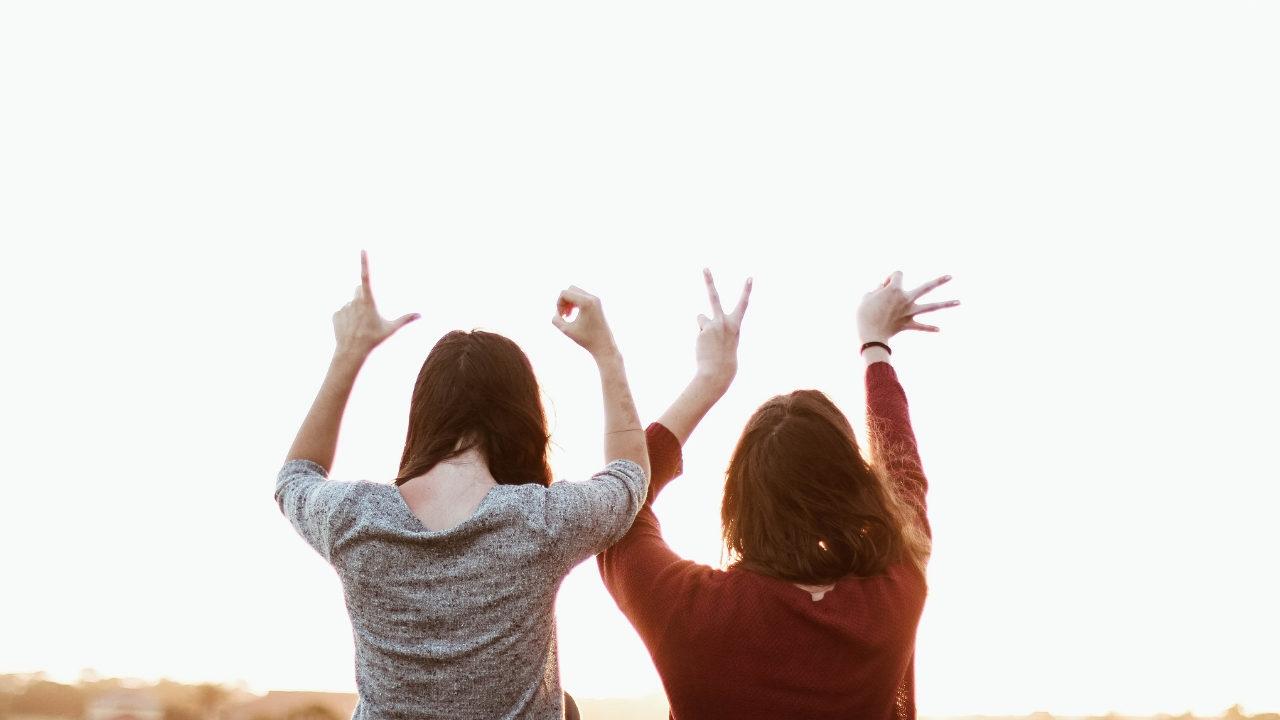 Arkadaşlarınıza bilimsel verilerle sarılın: Arkadaşlığın 10 olumlu etkisi