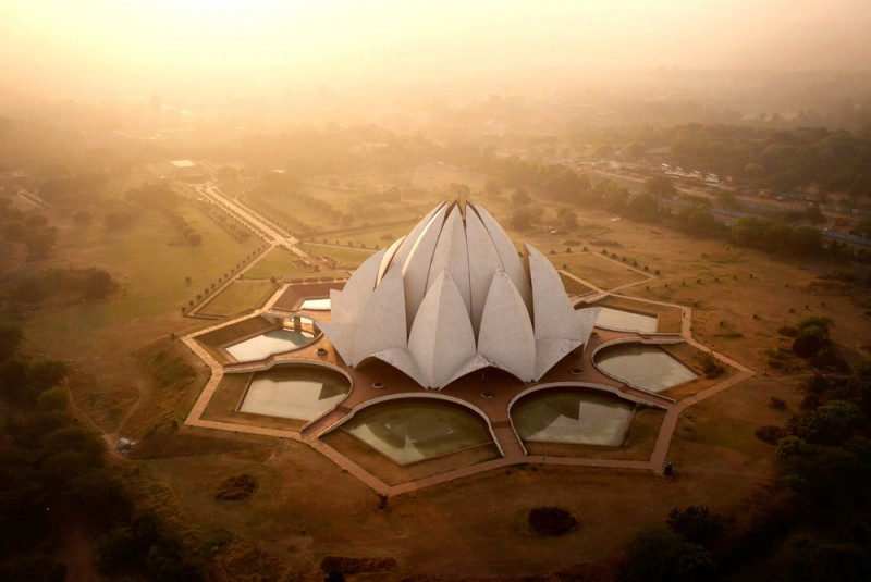 Nilüfer Tapınağı, Yeni Delhi, Hindistan