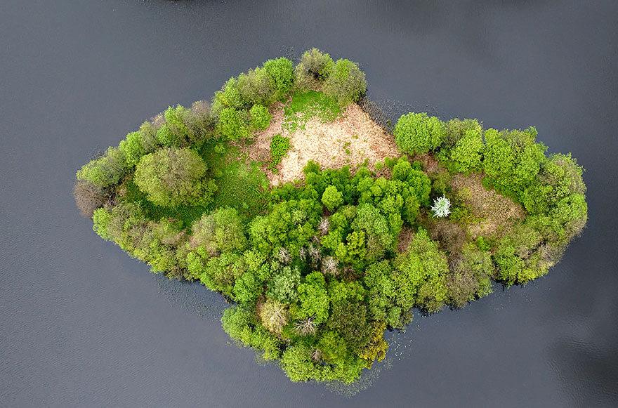 Lake Adası, Polonya