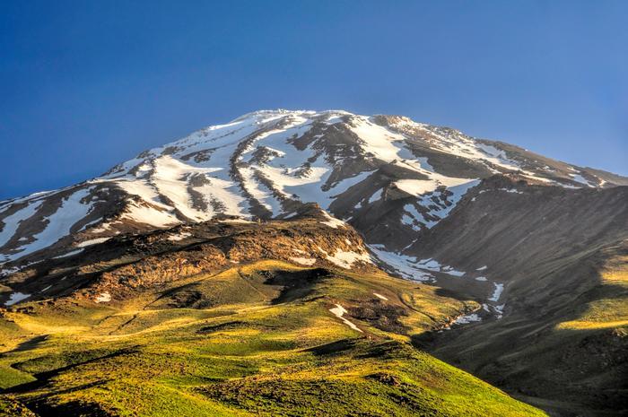 Damavand Dağı, İran