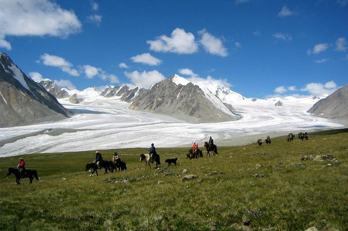 Khuiten Dağı, Moğolistan