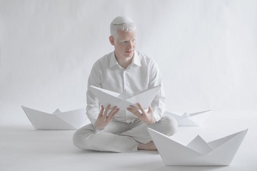 albino adam ve gemi