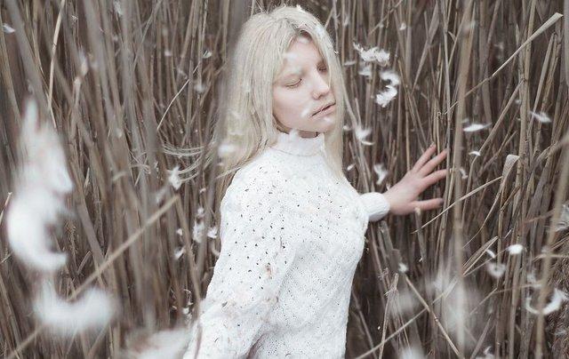 albino kadın sonbahar