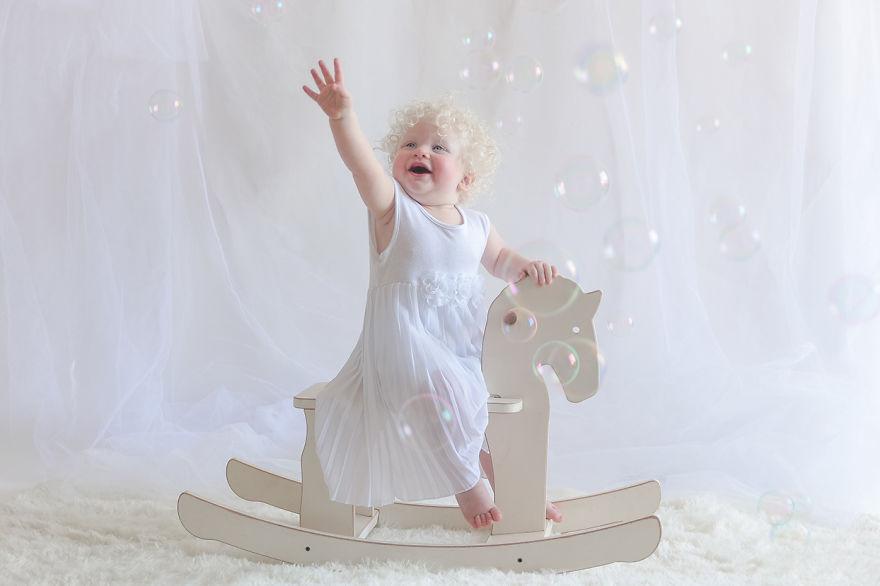 albino küçük kız
