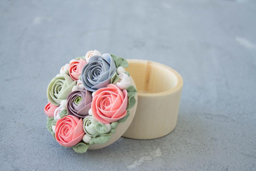 çiçek desenli tahta yüzük kutuları