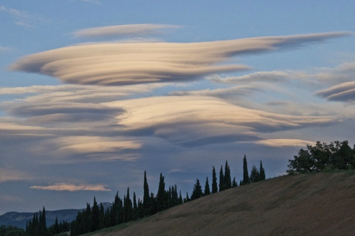 lenticular clouds fransa
