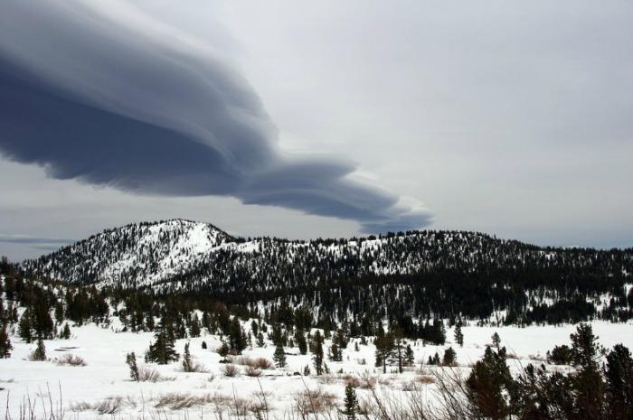 lenticular roll cloud lake tahoe