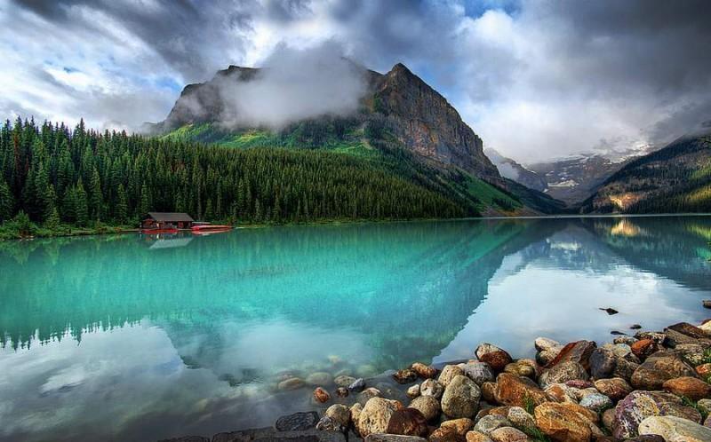Louise Gölü, Kanada