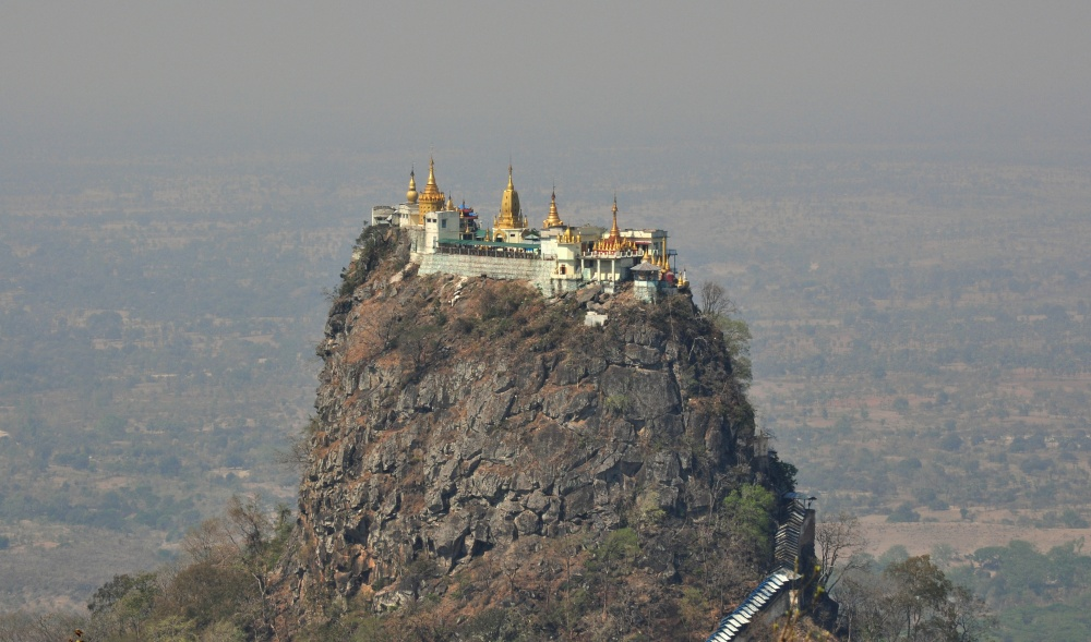 Taung Kalat Manastırı, Myanmar