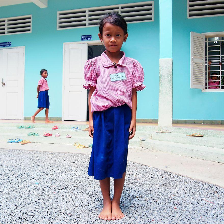 Happy Chandara okulundan öğrenci Kanitha, Kamboçya