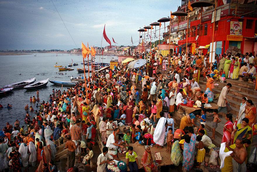 Varanasi'de güneşin doğuşu, Hindistan