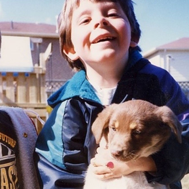 Çocuk ve köpek dostluğu