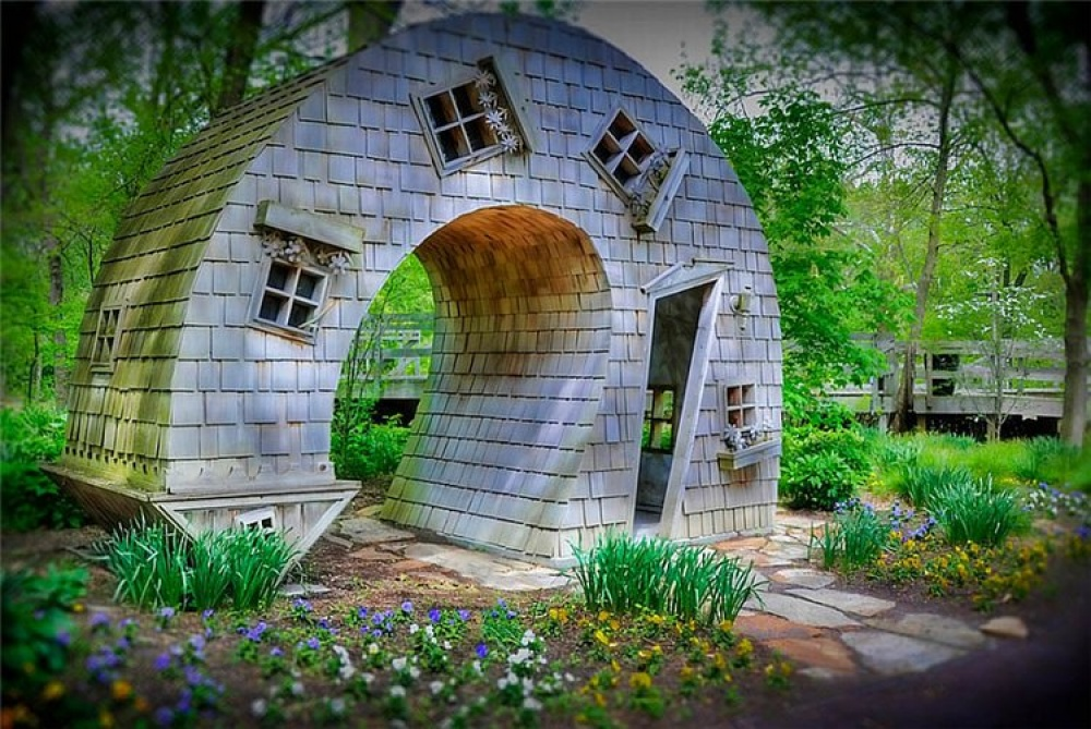 The Curved House, Indianapolis