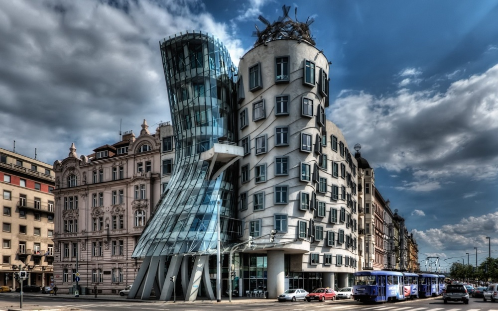 The Dancing House, Prag