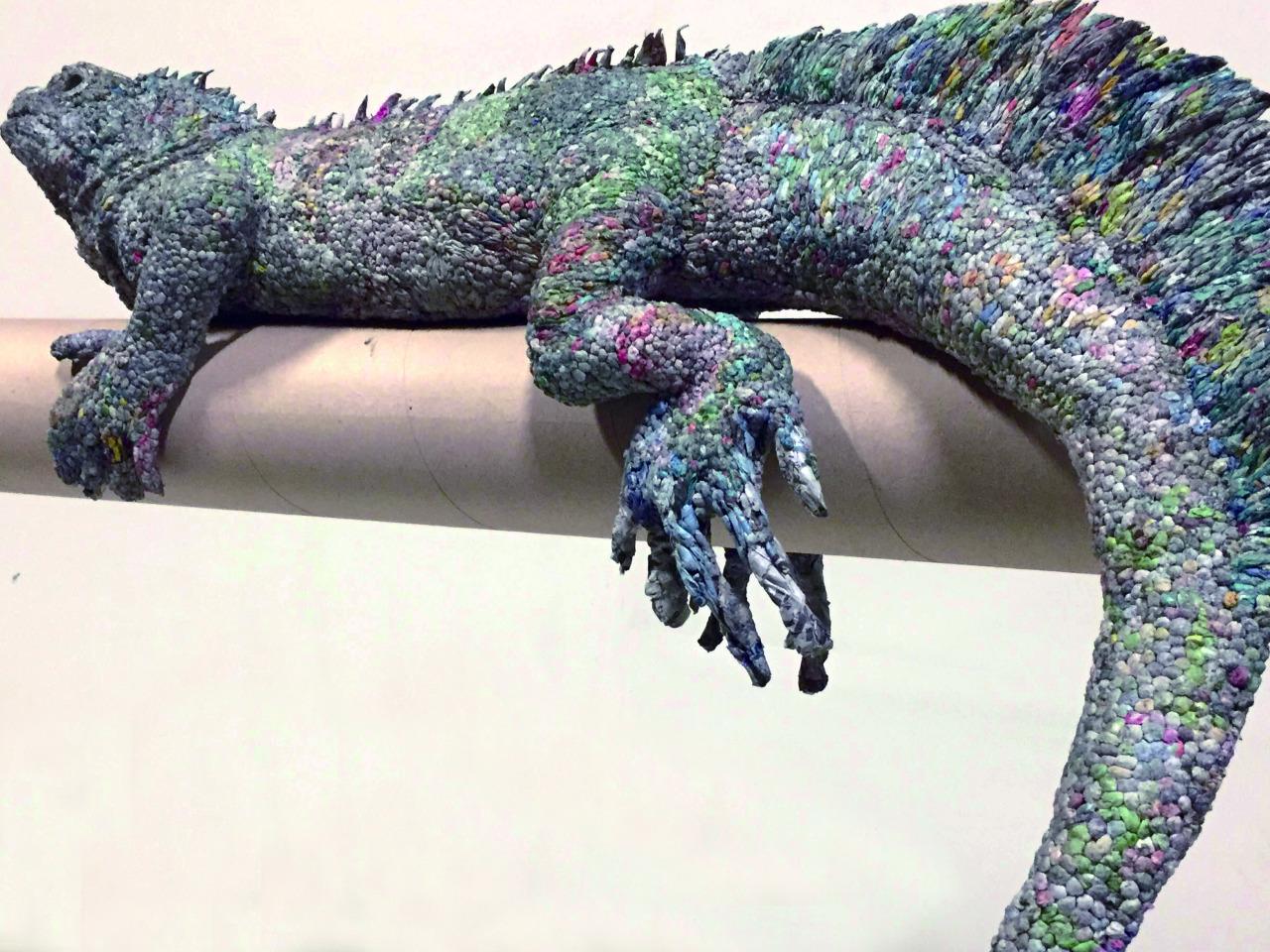 hayvan heykelleri iguana