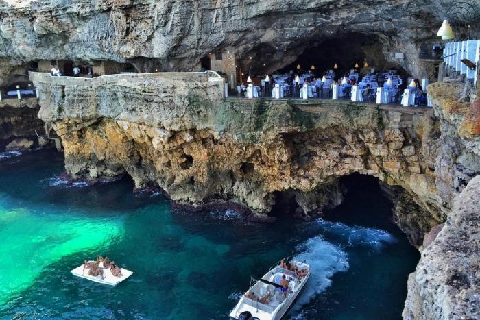 italy grotta palazzese restoran