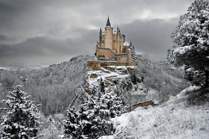 alcazar caste in segovia spain