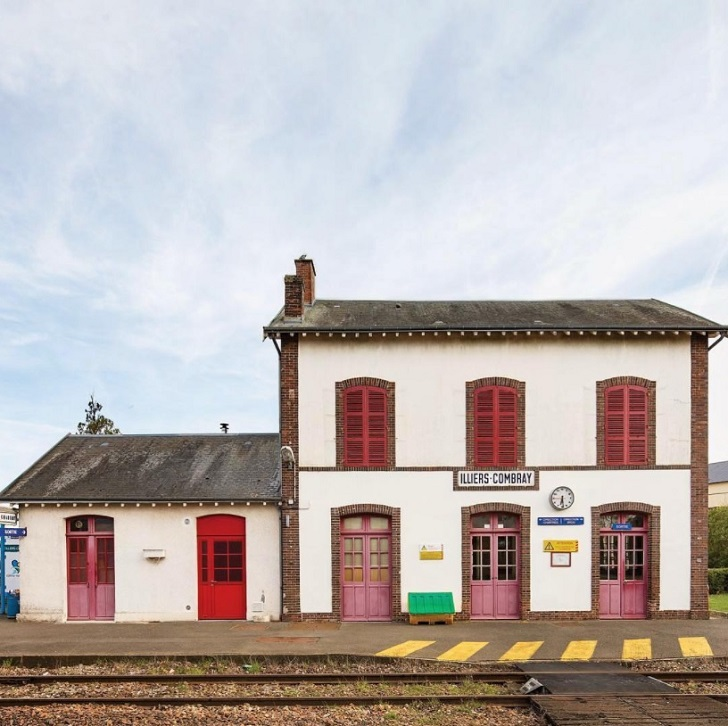 illiers combray station chartres france c