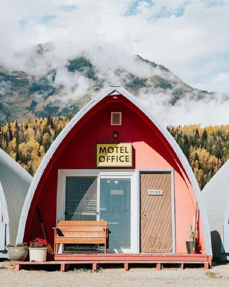 little chalet motel manitoba canada c s