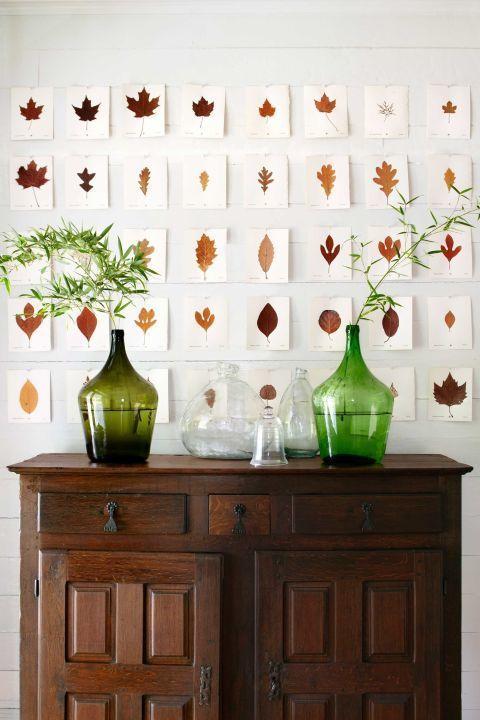 sonbahar yapraklarıyla duvar süsleme