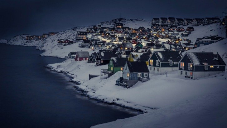 myggedalen village at night greenland photo by visit greenland