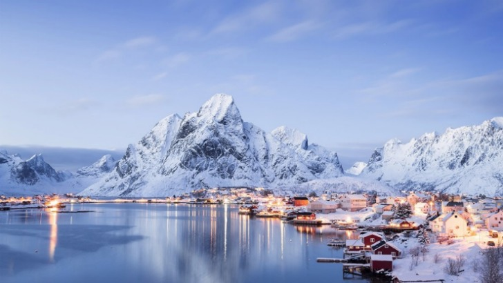 reine norway photo by felix roser