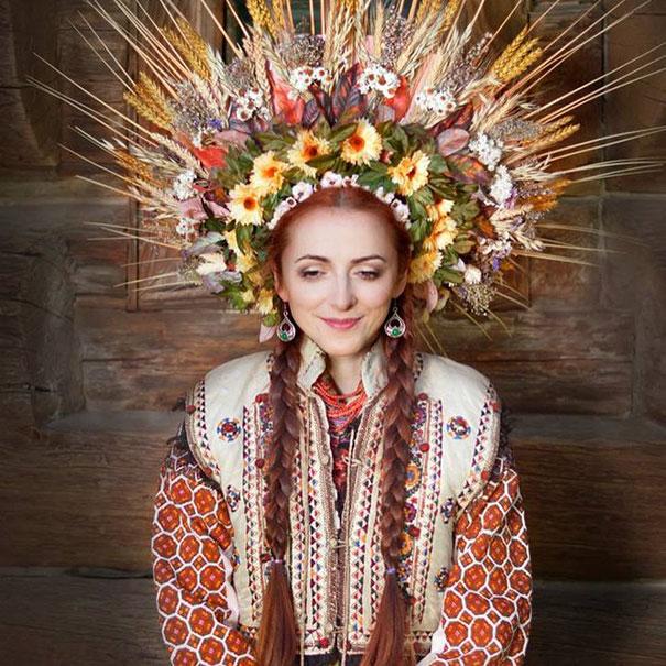 Ukrayna geleneksel Slav baş süsü