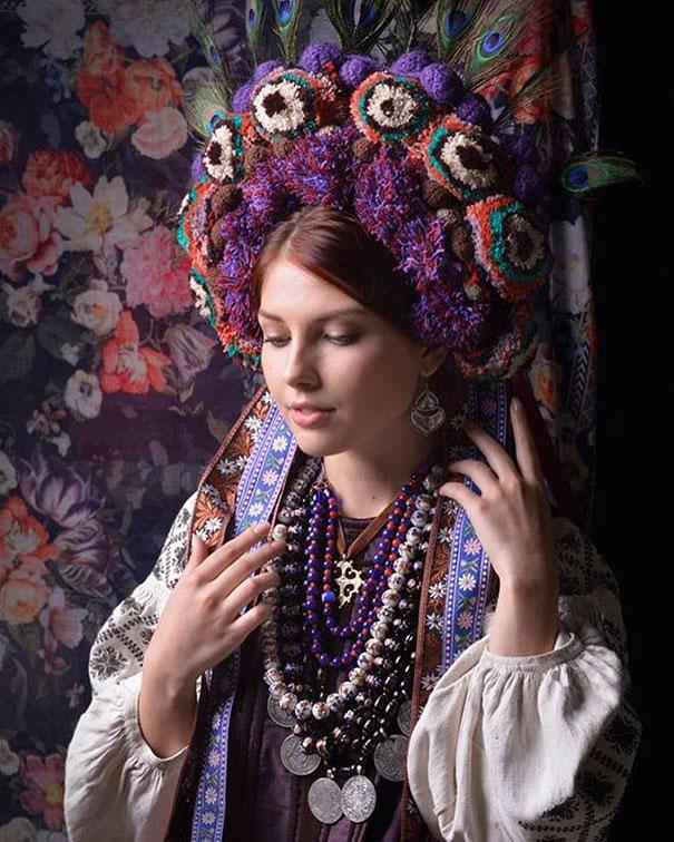 Ukrayna'ya özgü kıyafetler