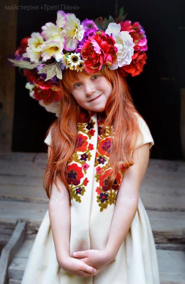 Ukrayna çiçek taçları