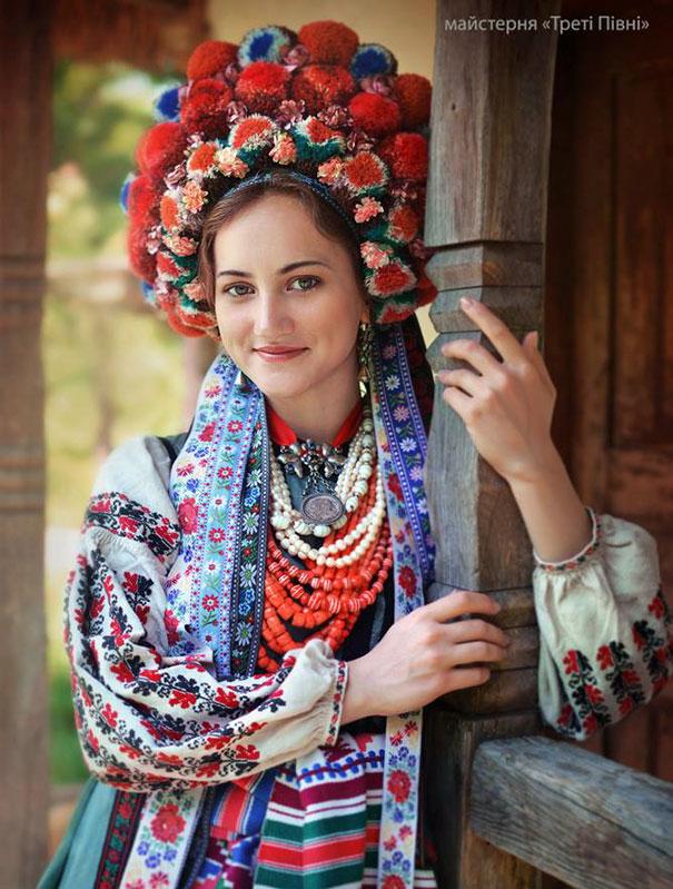 Ukrayna saç çiçek taçları