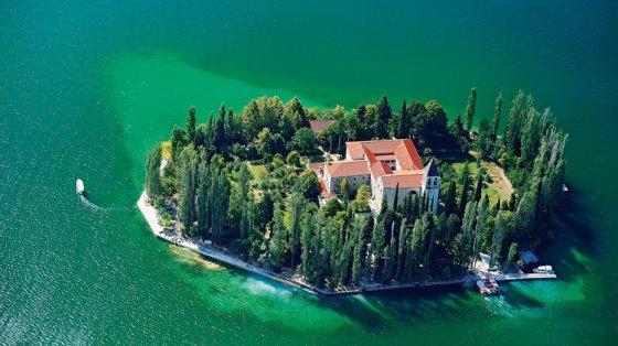 sea-island-croatia-hq-wallpapers
