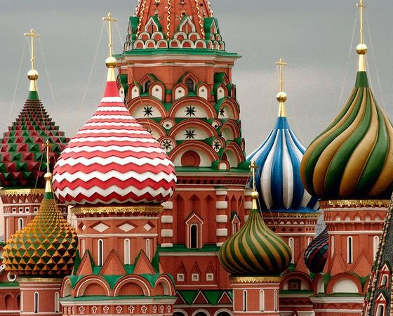 st-basil-cathedral-kubbeleri