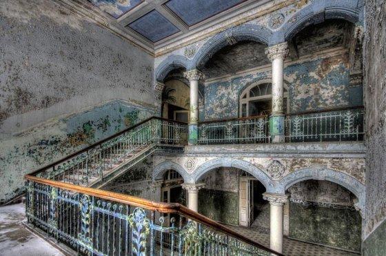 Terkedilmiş askeri hastane; Beelitz, Almanya