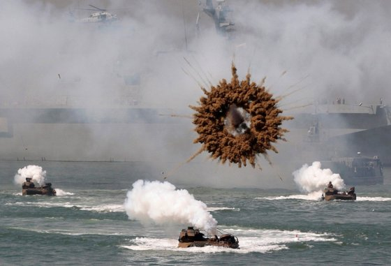 Havada patlayan bomba