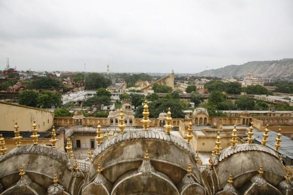 Hawa Mahal'den Jantar Mantar manzarası