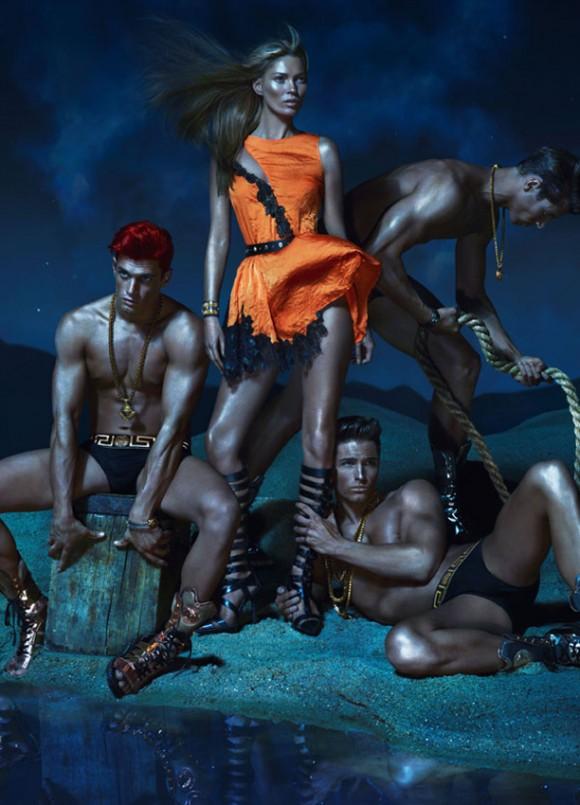 Versace İlkbahar 2013 koleksiyonu