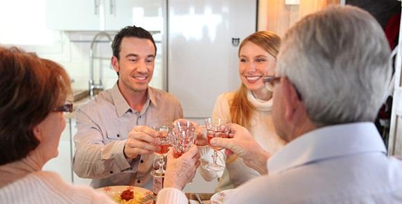 Eşinizin Ailesiyle İyi İlişkiler Kurmak