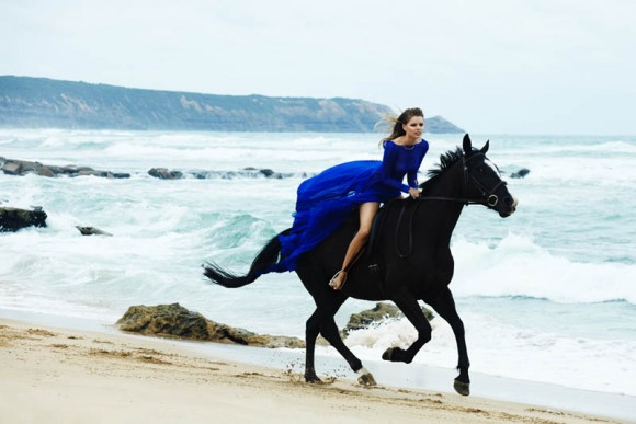 Atlarla ile Mayo ve Bikini Çekimi