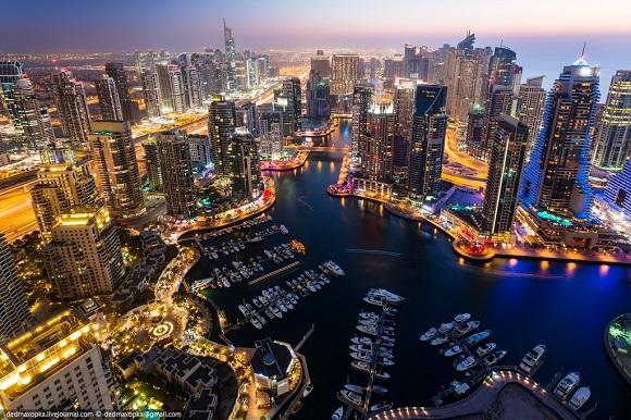 Dünyanın en yüksek binası  :  Dubai