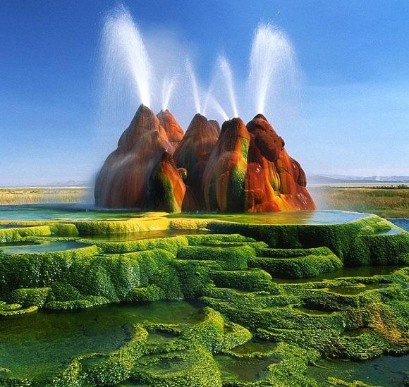 """Doğanın mucizesi """"Uçan Geyser"""", Nevada, ABD"""