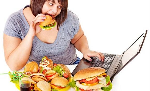 sıkıntıdan yemek yemek