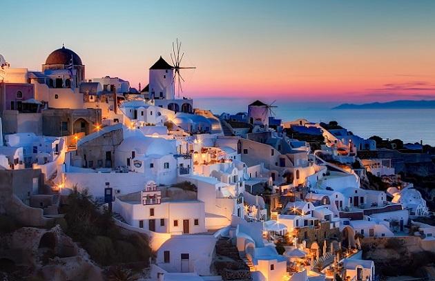 Yunanistan kıyılarında akşam yemeği