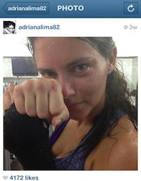 Adriana Lima uf olmuş. Artık olsun o kadar.