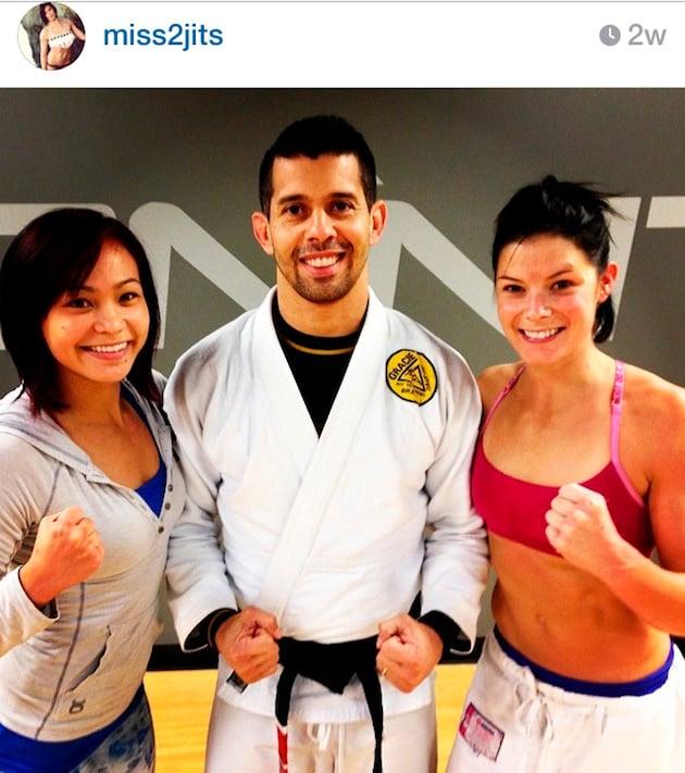 """miss2jits"" Miller, ""Karate Hottie"" lakaplı Michelle Waterson ile antrenmanda."