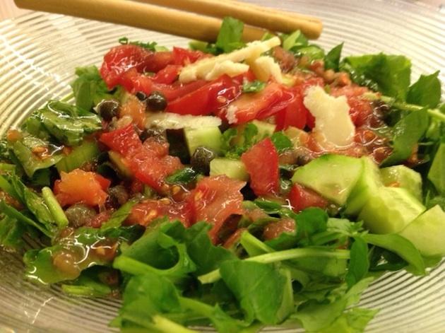Sağlıklı tarifler: Rokalı sarımsaklı salata