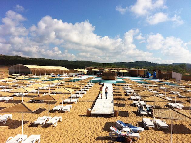 Yaz mevsiminin vazgeçilmez adresi Suma Beach
