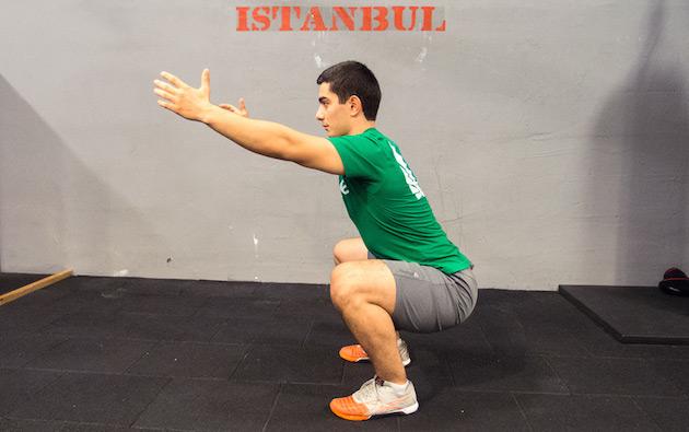 Verimli ve CrossFit'in de tercih ettiği squat.