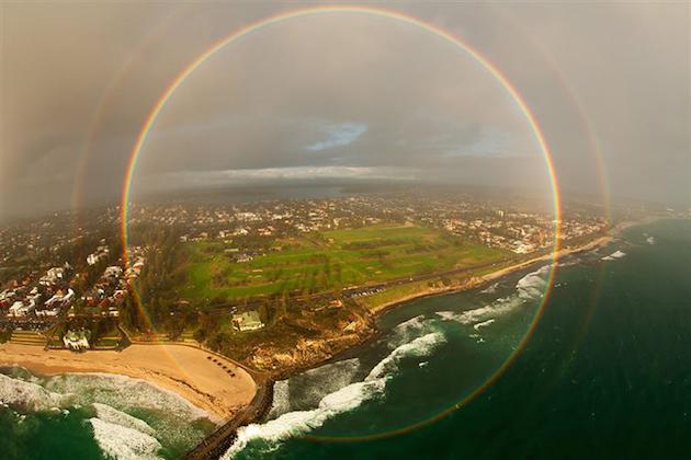 A-rare-360-degree-rainbow-captured-from-an-airplane