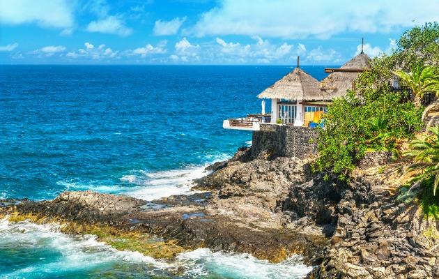 deniz kenarı ev